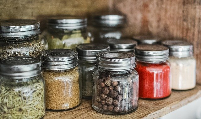 spices in glass jars how to reduce your plastic waste