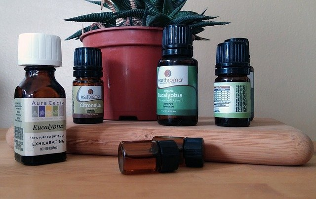 high-quality-essential-oil- bottle -labels
