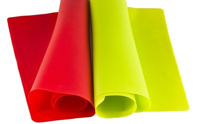 17-eco-friendly-kitchen-product-swaps-silicone-mats