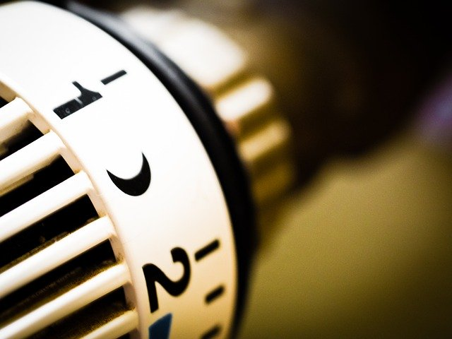 Save money on your electricity heating thermostat